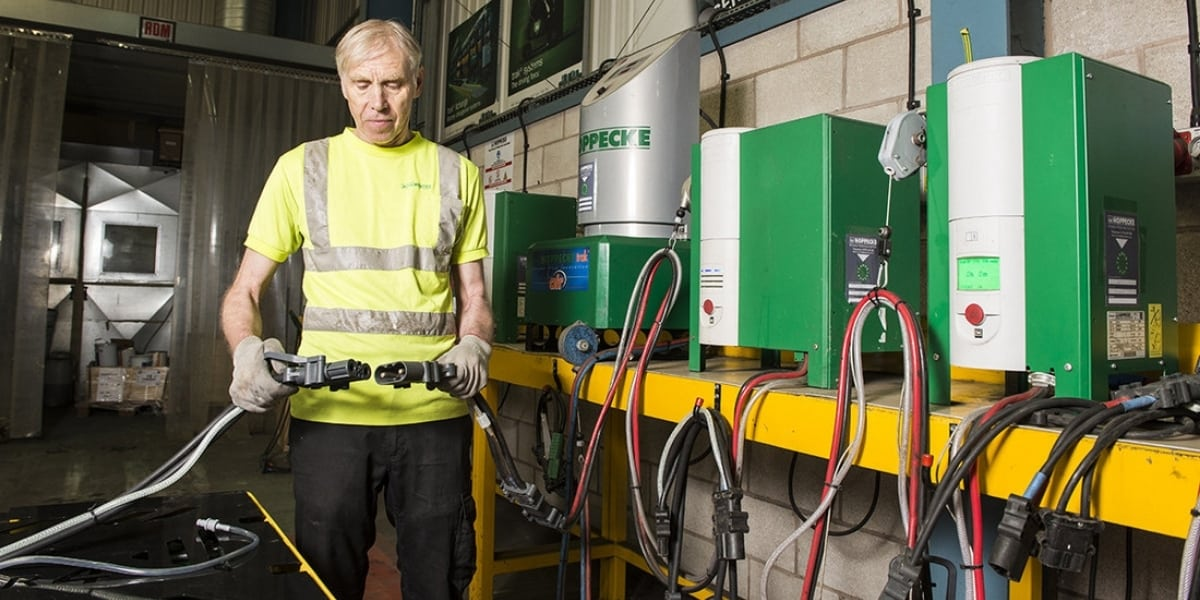 Read more about the article Achieving a cost-effective battery and charger solution